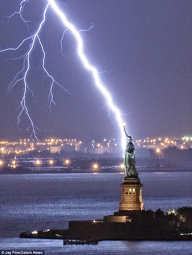 libertylightening13102010